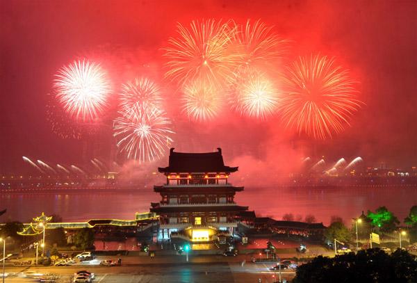 салют Китайского Нового года