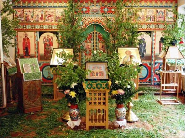 зеленая церковь на троицу