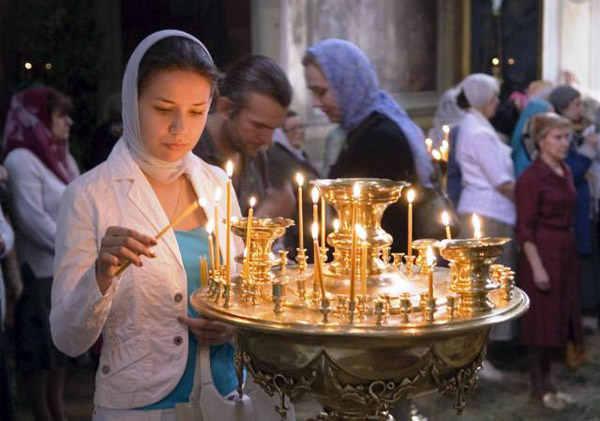 Значение платка в храме для девушек