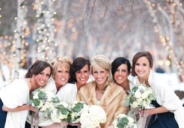 платья девушек зимой на свадьбе