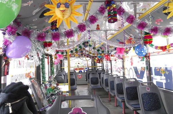 оформление свадебного троллейбуса