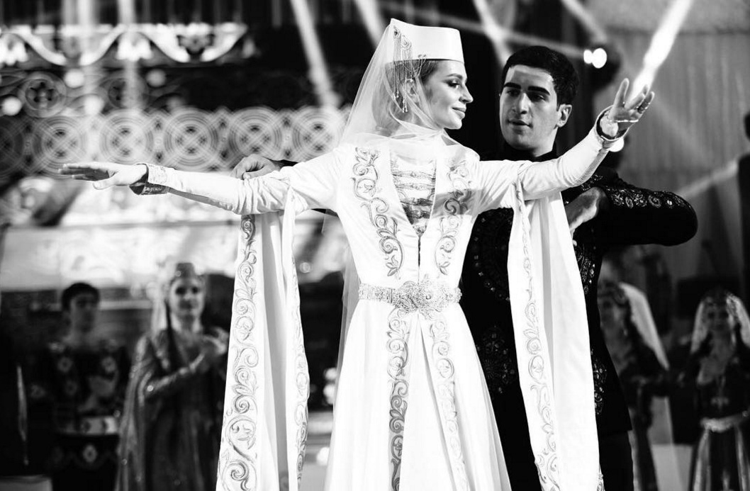 кавказкий свадебный танец молодых