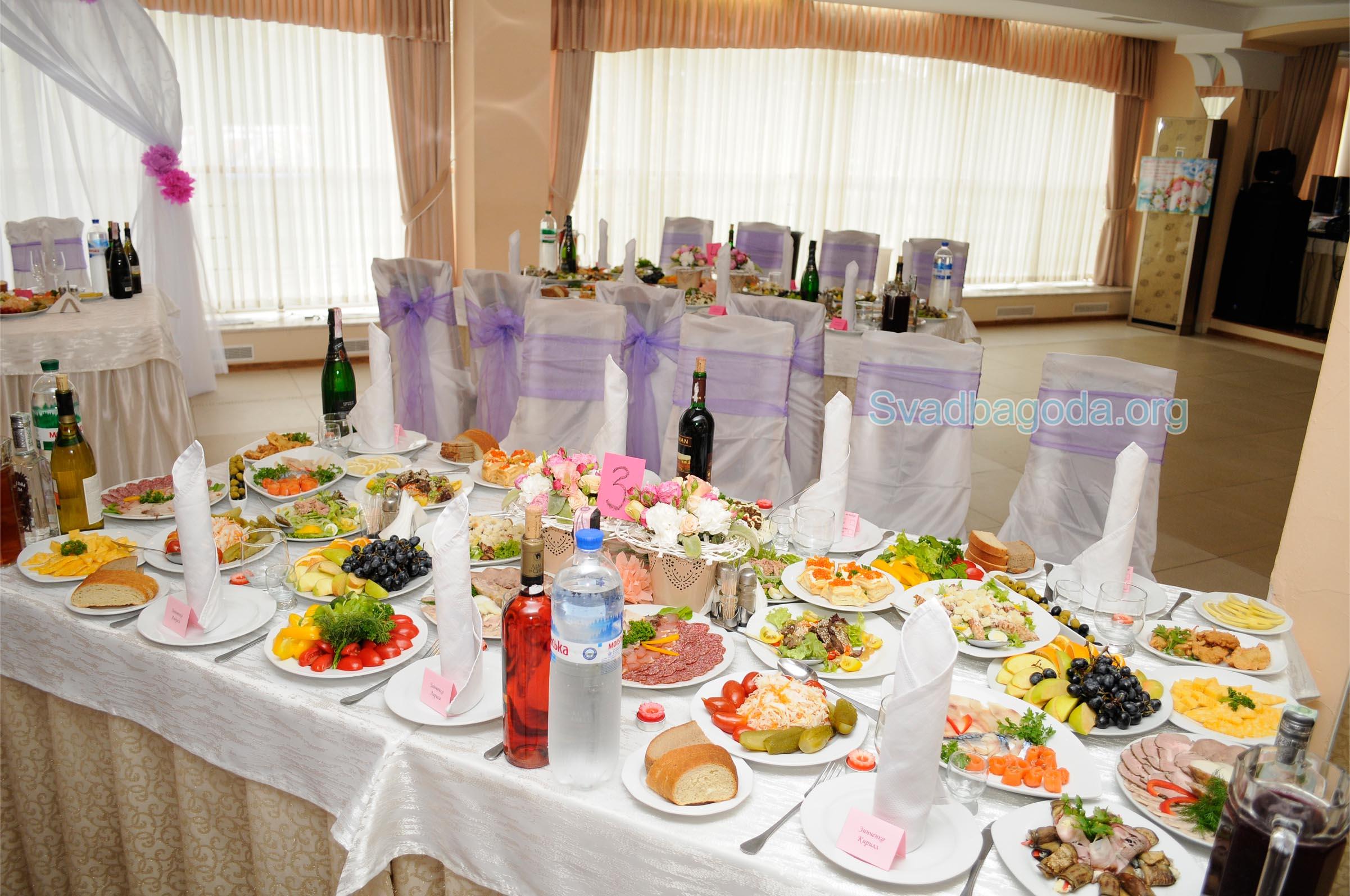 соки и вода на свадьбе