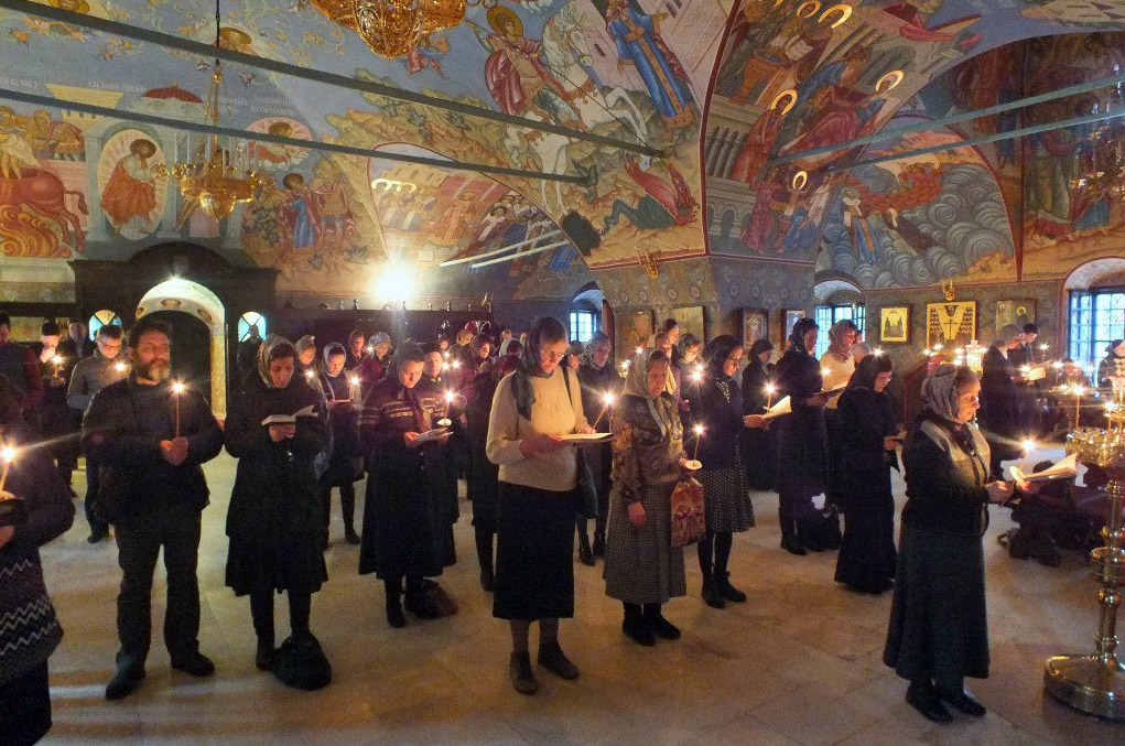 Великий пост - молитва в церкви
