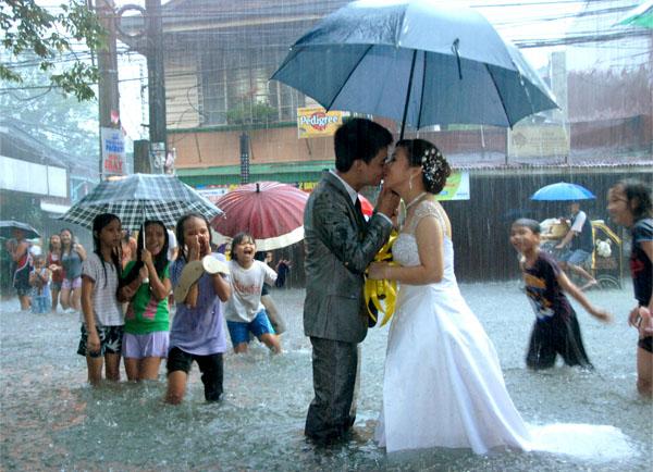 Дождь в свадьбу примета