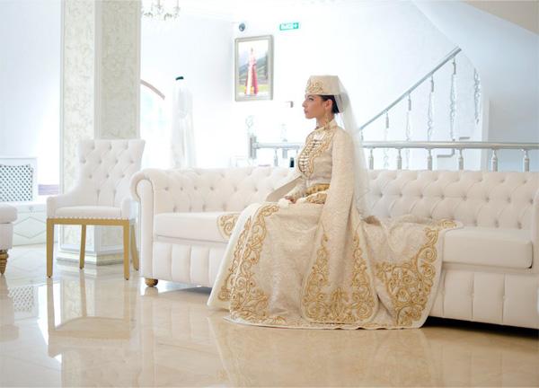 невеста в кавказком платье