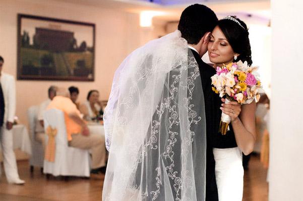 горько не кричат на армянской свадьбе