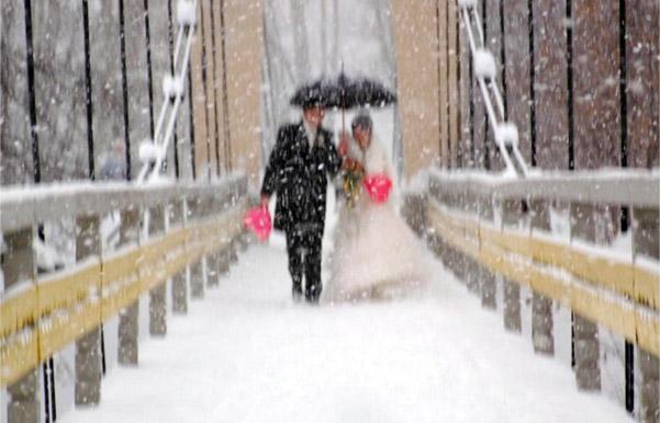 фото на свадьбе при обилие снега