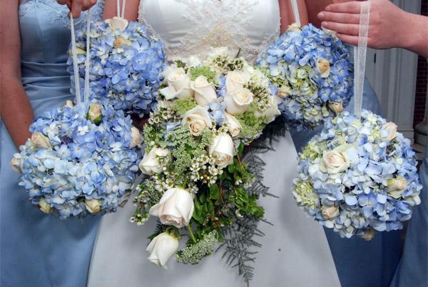 Букет невесты из гортензий