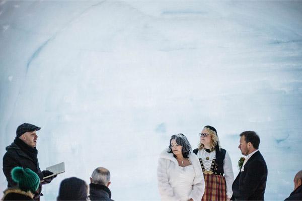 церемония бракосочетания во льдах
