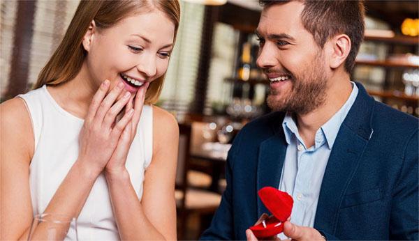 Предложение сердца и руки для девушки
